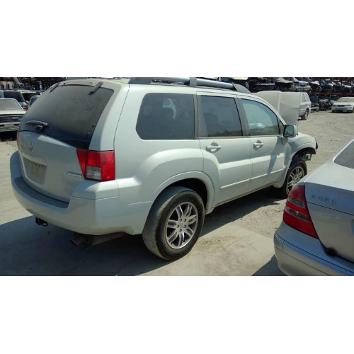 Used 2004 Mitsubishi Endeavor Parts Car White With Gray Interior 6 Cylinder Automatic