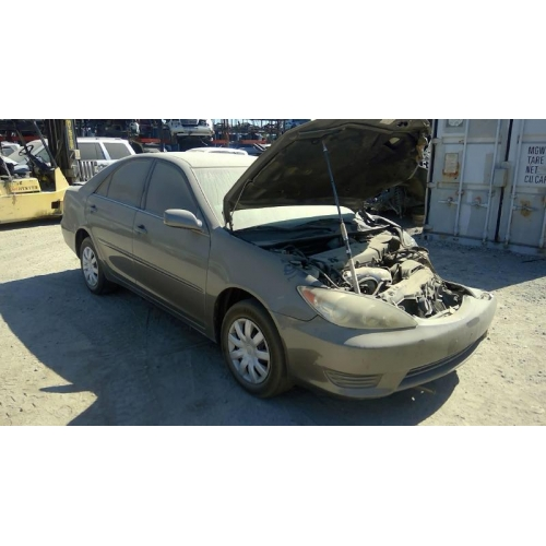 2005 Toyota Camry Transmission: 2005 Toyota Camry Interior Parts